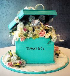 Tiffany Engagement Cake decorated as a Tiffany ring box.