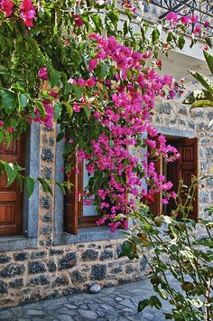 Greece Travel Inspiration - Chios, Medieval village of Mesta