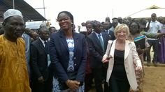 Madame le Ministre lors de la visite des installations de ce projet #EcoleNumériqueTG Lycée Technique d'#AnehoGlidji
