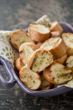 Easy Garlic Bread on PaulaDeen.com #pauladeen