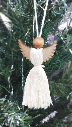 Scandi Christmas Decorations, Elegant Christmas Trees, Diy Christmas Ornaments, Christmas Angels, Christmas Time, Wooden Ornaments, Wooden Beads, Holiday Decor, White Xmas Tree