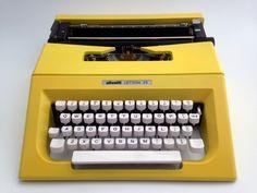 OLIVETTI LETTERA 25 in daffodil yellow - Typewriter Olivetti - Vintage Portable Manual typewriter - working typewriter
