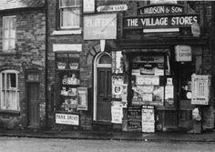 Birmingham England, Uk Photos, England Uk, Sign Writing, Cottages, Green, Life, Memories, Image