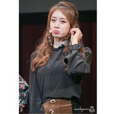 """Jiyeon💓Sunday morning🙌😊 #tara #jiyeon #eunjung #hyomin #soyeon #boram #qri  @jiyeon2__"""""""