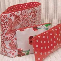 Oilcloth Pouches And Bags  #Free_Download #Tutorial