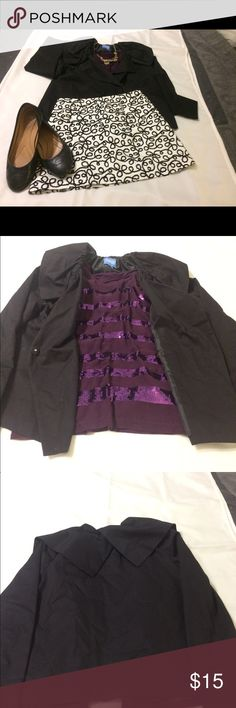 Simply Vera Wang blazer Gorgeous black blazer with ruffled collar. Collar is adjustable with elastic clasp.  Size small. Simply Vera Vera Wang Jackets & Coats Blazers