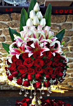 30 Beautiful Modern Flower Arrangements Design Ideas Your Home Design And Decor Beautiful Modern Flower Arrangements Design IdeasDo you want to add beauty to your home or space bu