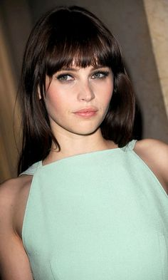 Felicity Jones' bangs rock my world. Also her makeup is always gorge. Because her face is gorge.