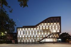 Gallery of Saengthai Rubber Headquarter / Atelier of Architects - 6