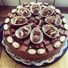 Imagen de cake, chocolate, and food Cupcakes, Cake Cookies, Cupcake Cakes, Yummy Treats, Sweet Treats, Yummy Food, Surprise Cake, Amazing Cakes, Love Food