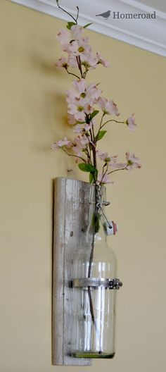 Homeroad-Rustic Wall Vase use wine bottle ans old wood to make a hanging flower vase