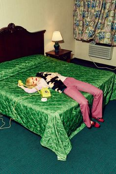 art direction In this editorial photographed by Meredith Jenks and art directed by Leta Sobierajski their heroine enters a hotel room for her over-night stay. After relaxing over a bath Fashion Photography Inspiration, Editorial Photography, Art Photography, School Photography, Contemporary Photography, Digital Photography, Style Inspiration, Design Set, Cover Design