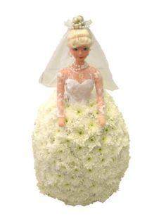 Bride Doll made from fresh flowers. Funeral Floral Arrangements, Unique Flower Arrangements, Floral Centerpieces, Flower Cake Design, Flower Designs, Floral Design, Flower Boutique, Bride Dolls, Unusual Flowers