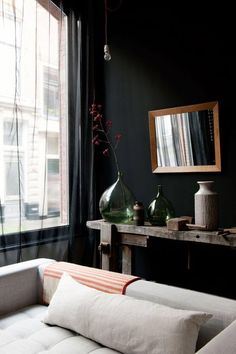 black accent wall | living room Farrow & Balls's  Downpipe