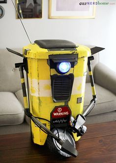 DIY Borderlands Claptrap Trashcan - Our Nerd Home Nerd Room, Nerd Cave, Man Cave, Console Tv, Borderlands 2, Geek Crafts, Trash Bins, Geek Out, Gaming Computer