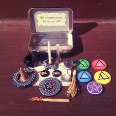 Adorably witchy portable altars made with altoid tins-Recycle Reuse Renew Mother Earth Projects