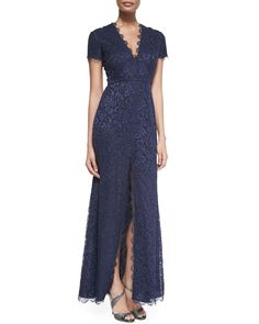 Monique Lhuillier Short-Sleeve Chantilly Lace Gown