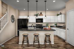 New Homes in Surprise, AZ - Villas at Sycamore Farms Plan 1932 Kitchen Sycamore Farms, Farm Plans, Kb Homes, Downtown Phoenix, Kitchen Models, New Home Communities, Build Your Dream Home, Arizona, New Homes For Sale