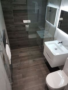 Beautiful bathroom decor tips. Modern Farmhouse, Rustic Modern, Classic, light and airy master bathroom design some ideas. Bathroom makeover ideas and master bathroom renovation tips. Wet Room Bathroom, Small Shower Room, Shower Rooms, Master Bathrooms, Bathroom Mirrors, Small Wet Room, Compact Bathroom, Bath Room, Marble Bathrooms