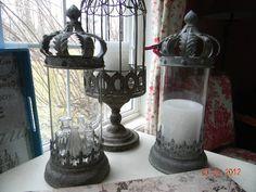 Antiqued crown candle holder