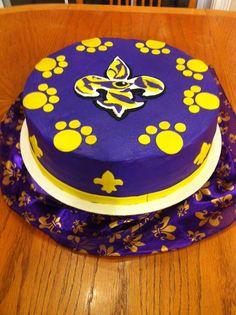 LSU cake-- sue sues sweets on facebook