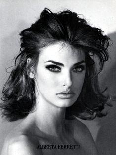 linda evangelista 1990 #90s #eyeliner #makeup