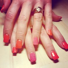 Color block orange with pink #caviar #microbeads #gelnails