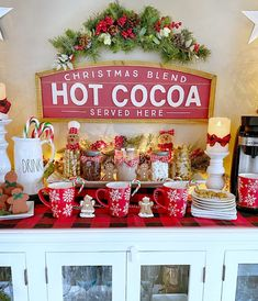 Christmas Table Settings, Christmas Tablescapes, Christmas Centerpieces, Christmas Desserts, Xmas Decorations, Christmas Appetizers, Christmas Recipes, Holiday Crafts, Small Christmas Trees