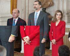 Foto: Felipe y Letizia reivindican con pulseras amarillas la racionalizacion de los horarios españoles