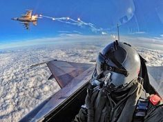 OK, these fighter pilot selfies are getting out of control...