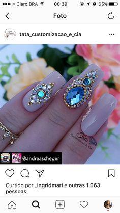 Nails Design Diy Geometric Ideas For 2019 Rhinestone Nails, Bling Nails, Swag Nails, Glitter Nails, Gem Nails, Hair And Nails, Gem Nail Designs, Nails Design, Diamond Nail Art