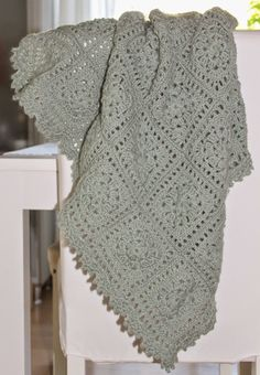 Baby CROCHET GRANNY BLANKET  with photo tutorial