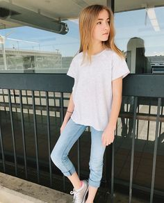Today i am bringing forth an awesome collection of inspiring fashion dresses lauren orlando photos – social media It's incorrect to assume Kids Fashion Show, Preteen Fashion, Girl Celebrities, Celebs, Fashion 2017, Fashion Dresses, Trendy Outfits, Cute Outfits, Photo Social Media