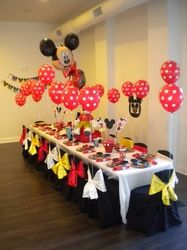 Tons of Mickey/Minnie Mouse party ideas #wickedcool