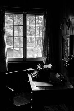 Your Writing Practice: What space can do for your writing - Vanessa Carnevale / Quote via @AlishaSommer