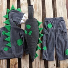 Only 1 week left to order your Dino costumes in time for Halloween These cuties are popular this year. for kids MamaBearWorks shared a new photo on Etsy Baby Halloween Costumes For Boys, Kids Costumes Boys, Family Costumes, Baby Costumes, Halloween 2017, Diy Dinosaur Costume, Dino Costume, Costume Ideas, Baby Kostüm
