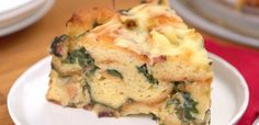 Still haven't found that perfect dish for Easter brunch? Looking for a breakfast you can make ahead of time for easier mornings? Just want something new and delicious to enjoy? Then you need to try this Bacon Spinach Strata! It's easy, cheesy and...