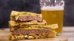 Onion Dip-n-Chips Patty Melt.we used MSF veggie patties. Tofu Recipes, Cooking Recipes, Patty Melt Recipe, Rachel Ray Recipes, Veggie Patties, Wrap Sandwiches, Vegan Sandwiches, Sandwich Recipes, Amigurumi