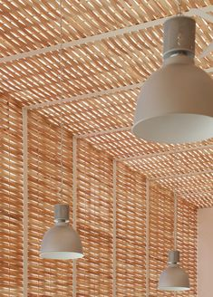 Uses traditional bamboo folk craft in office of wickerwork