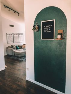 Living Room Green, Living Room Paint, Living Room Decor, Bedroom Decor, Arched Wall Decor, Green Painted Walls, Interior And Exterior, Interior Design, Office Inspo