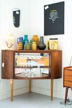 DIY Mini Bar Made Of Old TV Box 14 Corner Decorating Ideas That Will Make Your Home Awesome