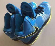 newest d6d89 a8848 Nike LeBron James Men s Leather Medium (D, M) Width Basketball Shoes
