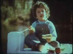 5 Moments of Nostalgic Zen Courtesy of Really Old TV Commercials