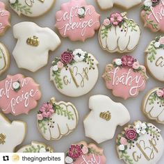 I can't get over how gorgeous this set is! @thegingerbites used our floral circle cutter (one of our best sellers) and its to die for. Floral coma over here! #sweetsilhouettes #sharethesweet #cookiecutters #florals