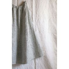 100% Handwoven Raw Silk  Midi Skirt | 100% Handwoven bamboo lining | Side seam pockets | Rough in the outside and extremely soft in the inside | Ethically and individually made by Vishnu Maharjan in Kathmandu, Nepal | www.matka.es