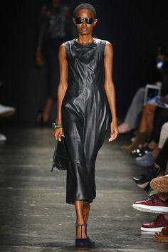 À La Garçonne   Spring 2017 Ready-to-Wear Collection - São Paulo   Vogue Runway