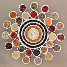 jak-doprawiac-dania-roslinne-naturalne-wzmacniacze-smaku Recipies, Decorative Plates, Tableware, Per Diem, Recipes, Dinnerware, Rezepte, Dishes, Food Recipes