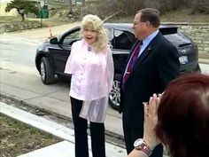 Elly May Clampett Arriving (Donna Douglas)