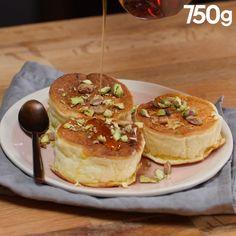 40 minutes · Makes 4 · Fluffy pancakes (pancakes japonais) Japanese Pancake, Cake Recipes, Dessert Recipes, Fluffy Pancakes, Salty Cake, Beignets, Savoury Cake, Mini Cakes, Clean Eating Snacks
