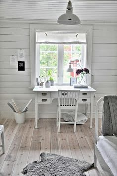 Shabby Chic Home Decor Study Office, Home Office, My Room, Girl Room, Nordic Home, Shabby Chic Homes, Cottage Homes, Second Floor, Decoration